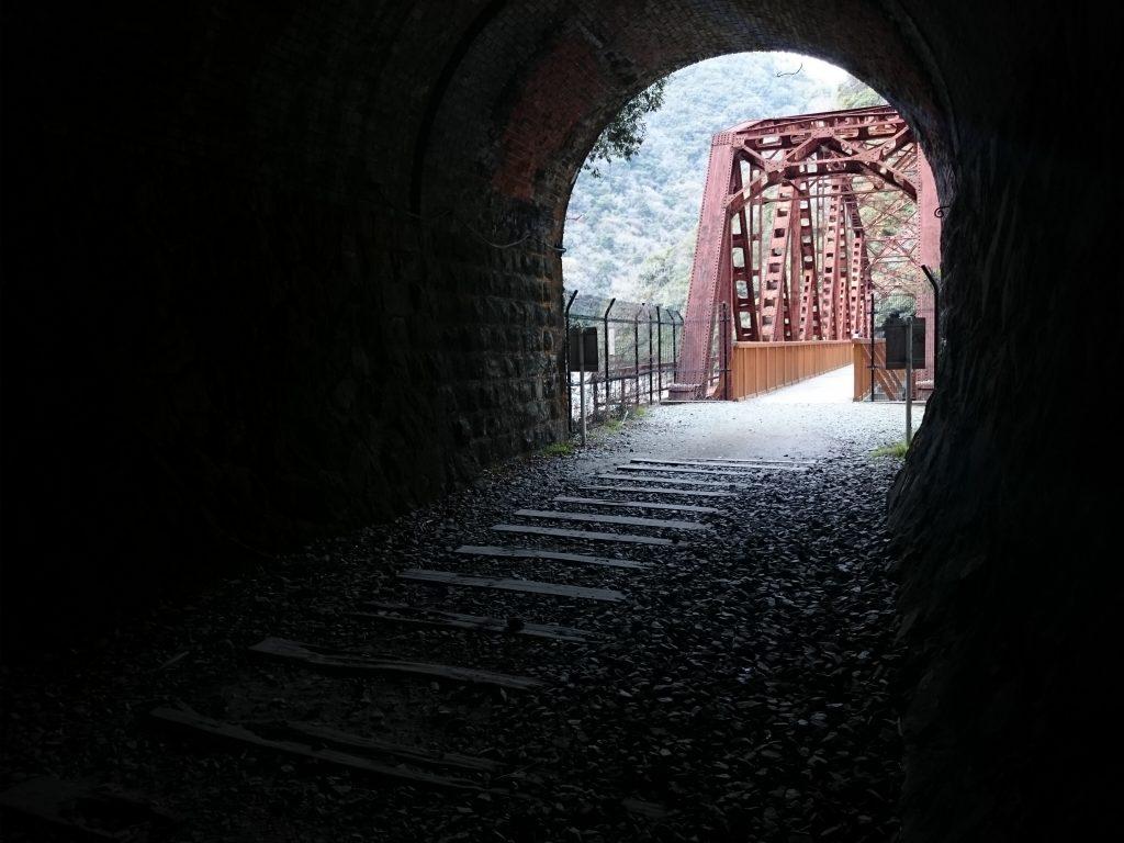 紅葉 宝塚 西宮 武田尾廃線ハイキング:真っ暗なトンネルは冒険気分 地図