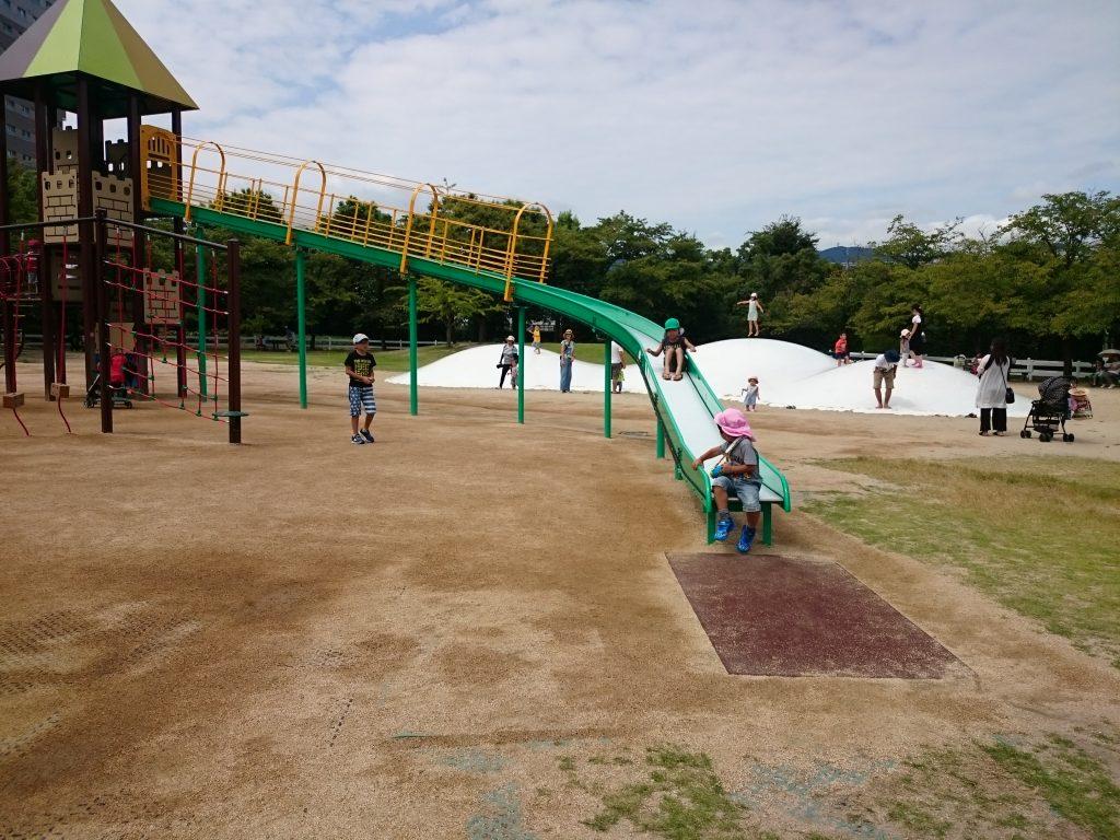 阪神競馬場 平日公園無料開放 宝塚の大型公園