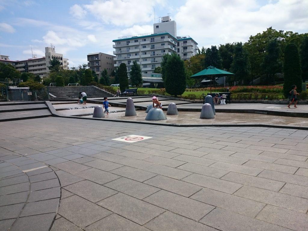 水遊び 阪神競馬場 平日公園無料開放 宝塚の大型公園