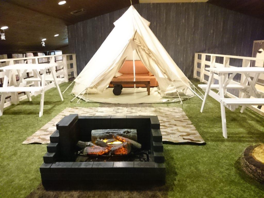 ハンモックテントに、グランピングテント『るり渓温泉』ランタンテラス 雨の日 屋内 子どもも楽しめる