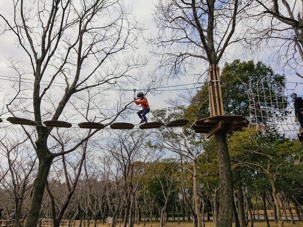 しあわせの村 冒険の森アドベンチャーパーク(BOUKEN Adventure Park)しあわせの村 リーズナブル!冒険の森アドベンチャーパークでツリートップアドベンチャー&ルーフトップアドベンチャー