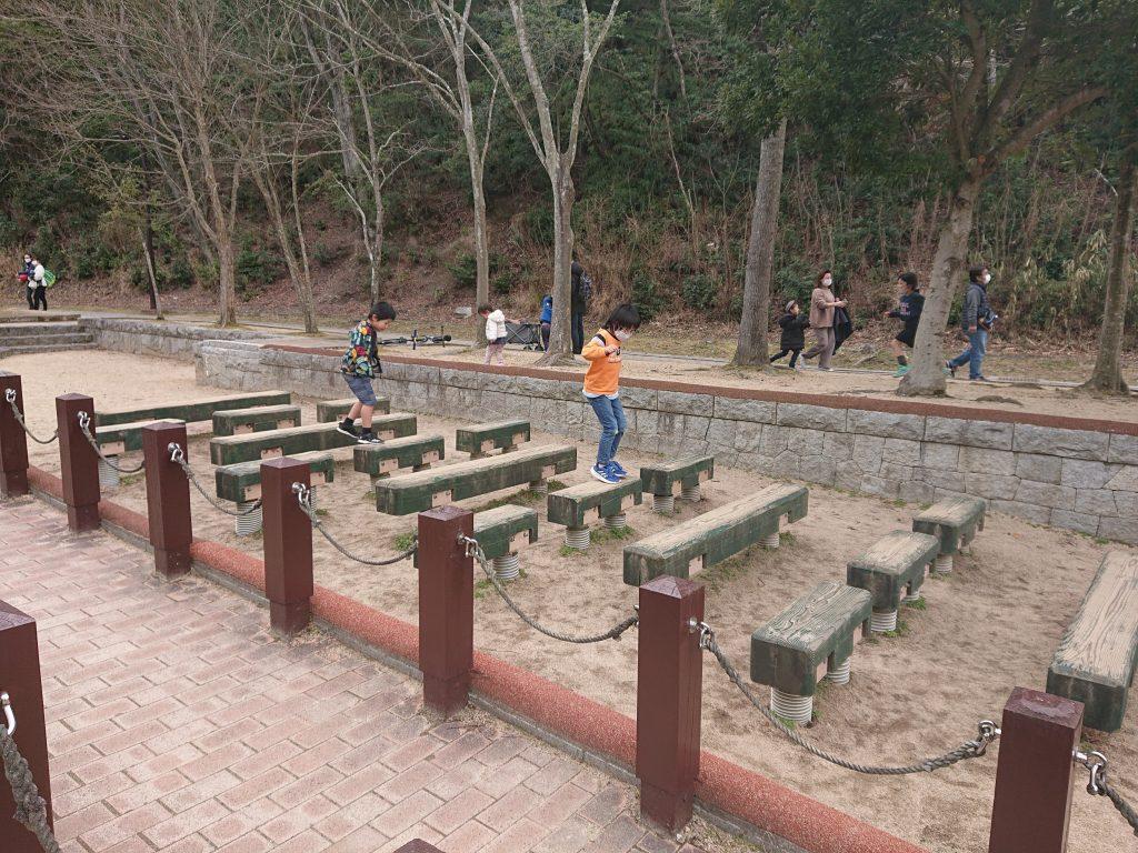 トリム園地へ。神戸市の施設しあわせの村 入場無料の大型公園